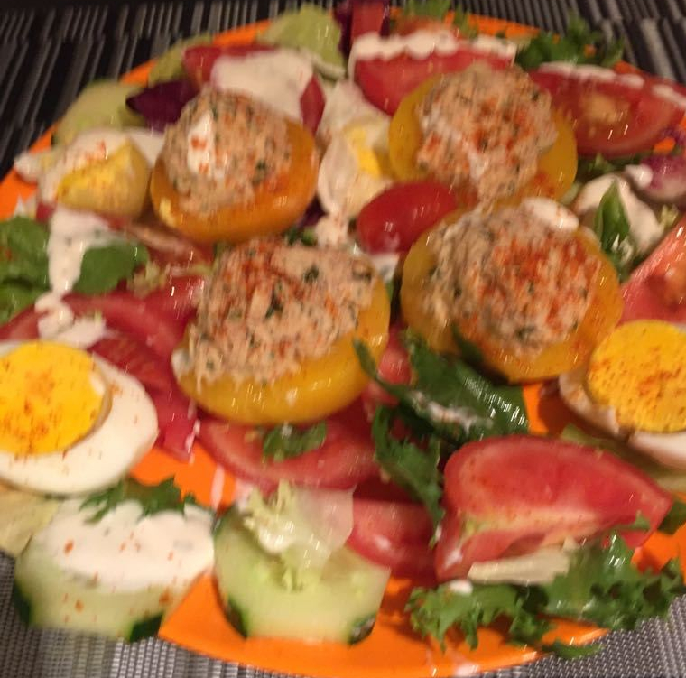 Belgian Recipe for Pêches au Thon - Perziken met Tonijn -  Peaches with Tuna.  Quick easy and delicious.